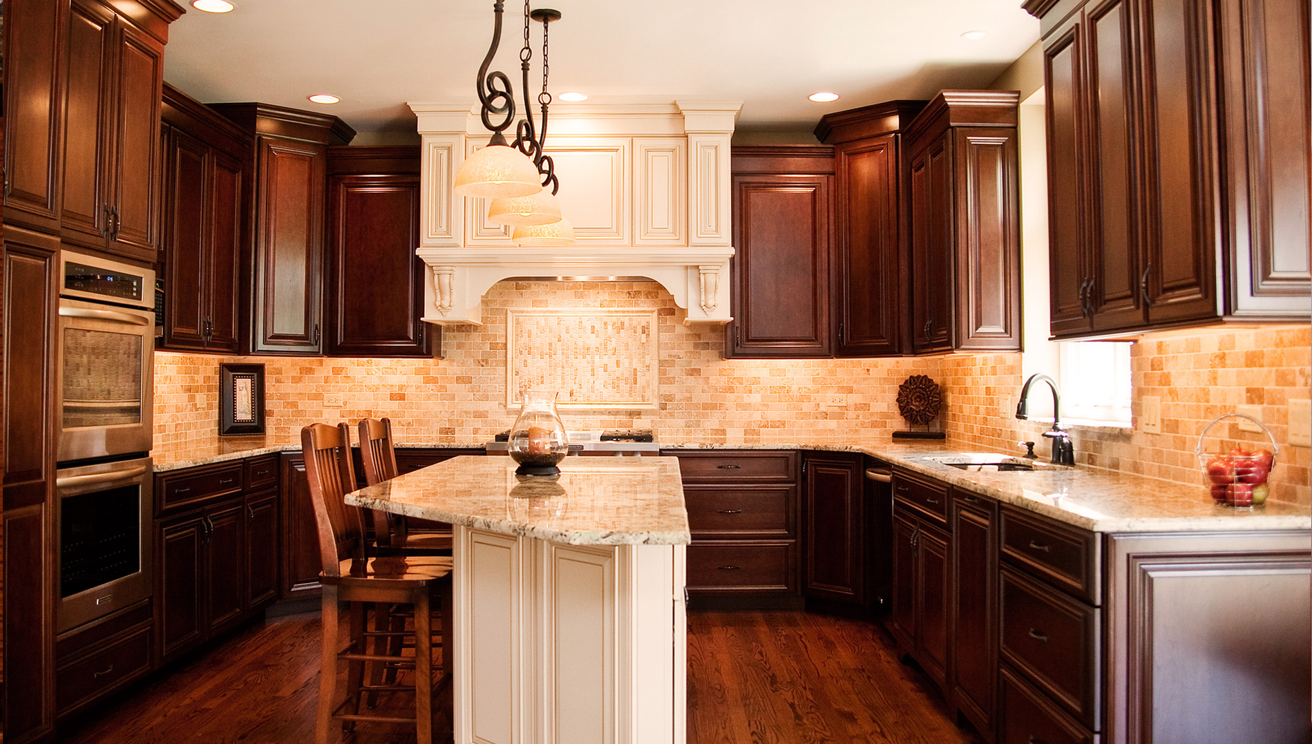 Kitchen Cabinets Naperville, Aurora, Wheaton  River Oak Cabinetry