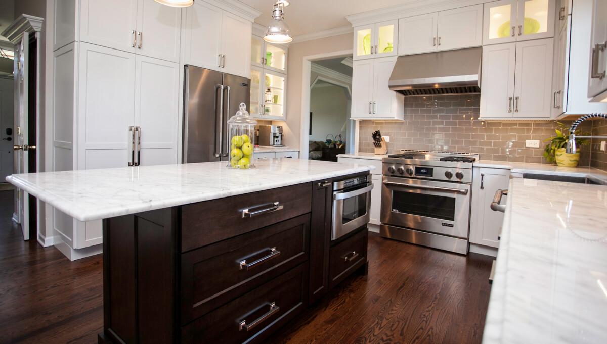 kitchen design naperville. Nine foot ceilings  good lighting stylish accompaniment professional style appliances Stylish Transitional Kitchen Design Remodeling Naperville