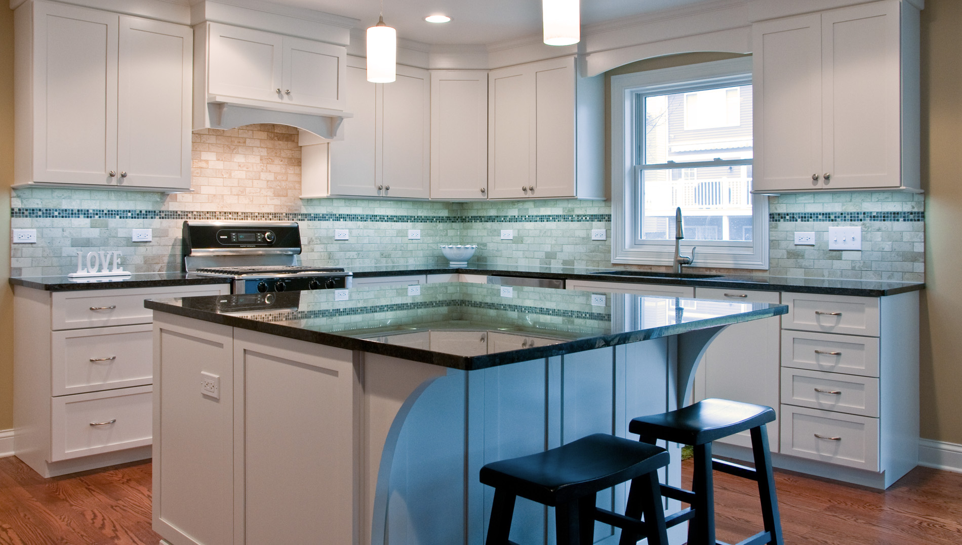 Bright Kitchen Design & Remodeling Naperville, IL