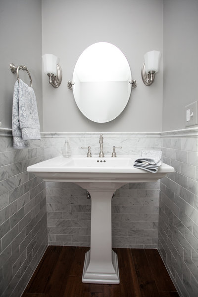 carrara - Powder Room Pedestal Sink
