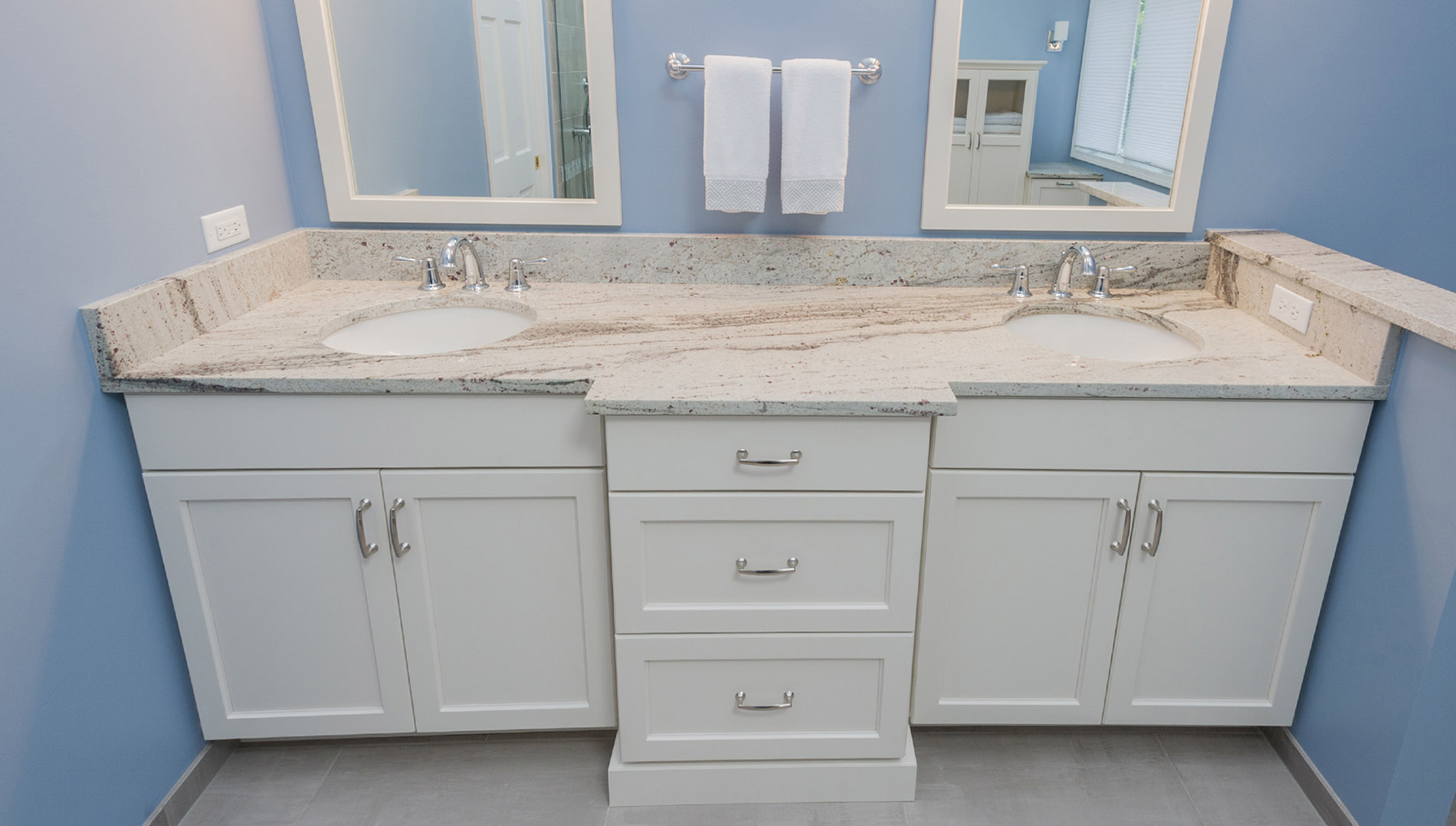 Bathroom Cabinets Naperville Aurora Wheaton Custom Bath - Bathroom vanities naperville